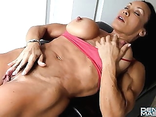 hd videos big clit muscular woman at Xnxx