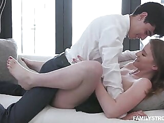 hardcore squirting creampie at XnXX